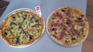 OK, so they're not the exact pizzas, but they're from the same kitchen...